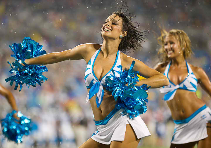 shit-nfl-cheerleaders-hook-up-with-players